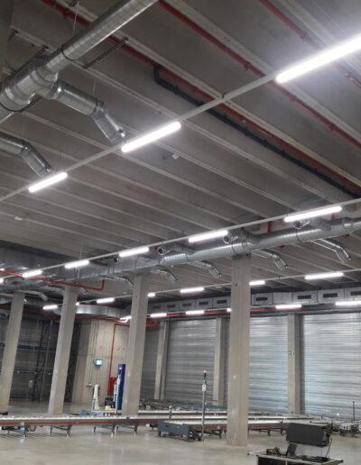 Industriële en tertiaire installatie foto